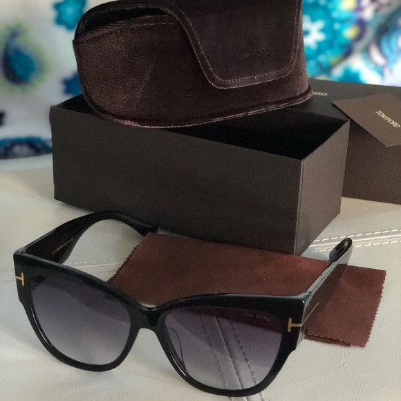 cfbc3dcc8986 Brand new Tom Ford sunglasses new collection